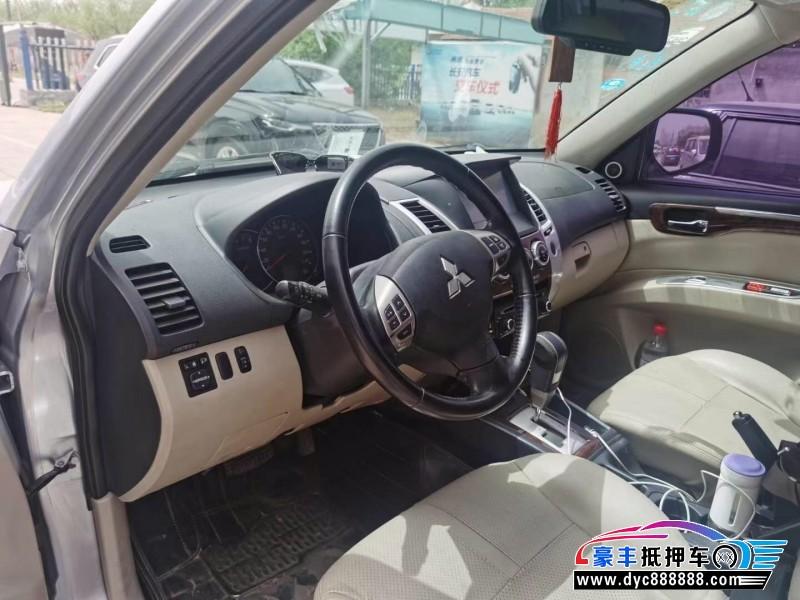 13年三菱帕杰罗·劲畅SUV抵押车出售