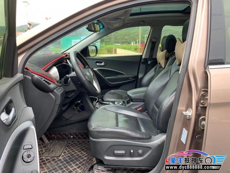 15年现代新胜达SUV抵押车出售