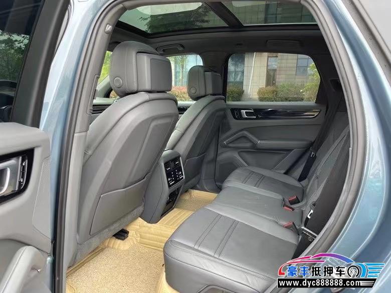 抵押车出售18年保时捷卡宴SUV