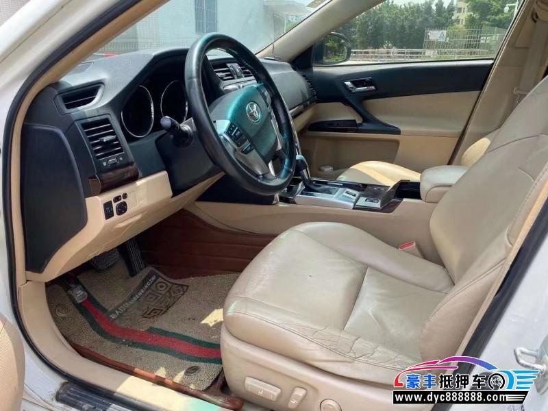 13年丰田锐志轿车抵押车出售