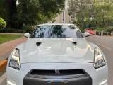 抵押车出售15年日产GT-R轿车