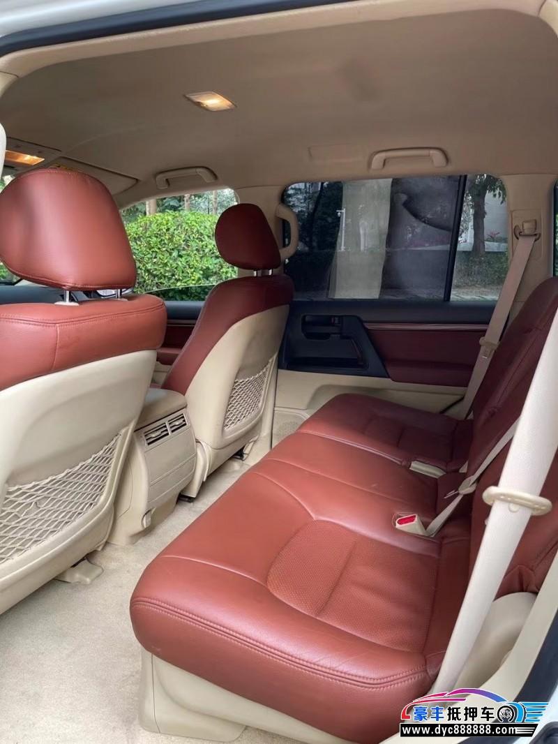 抵押车出售18年丰田兰德酷路泽轿车