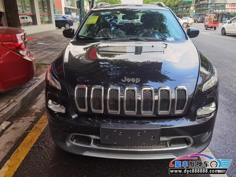 抵押车出售21年Jeep自由光轿车