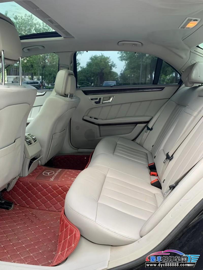 12年奔驰E轿车抵押车出售