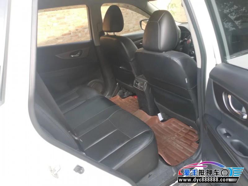 抵押车出售15年日产奇骏SUV