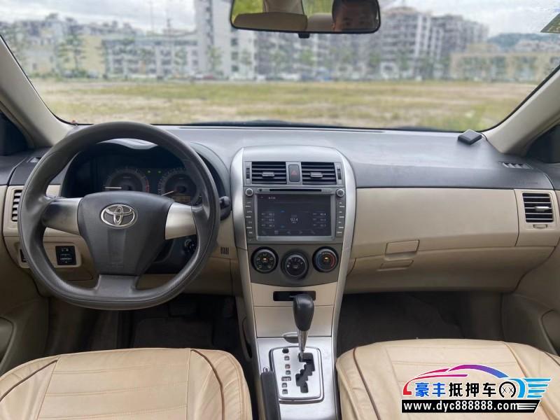 抵押车出售11年丰田卡罗拉轿车