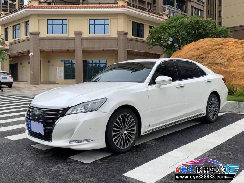 抵押车出售18年丰田皇冠轿车