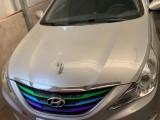 抵押车出售12年现代索纳塔八轿车