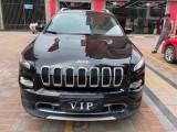 抵押车出售18年Jeep自由光SUV