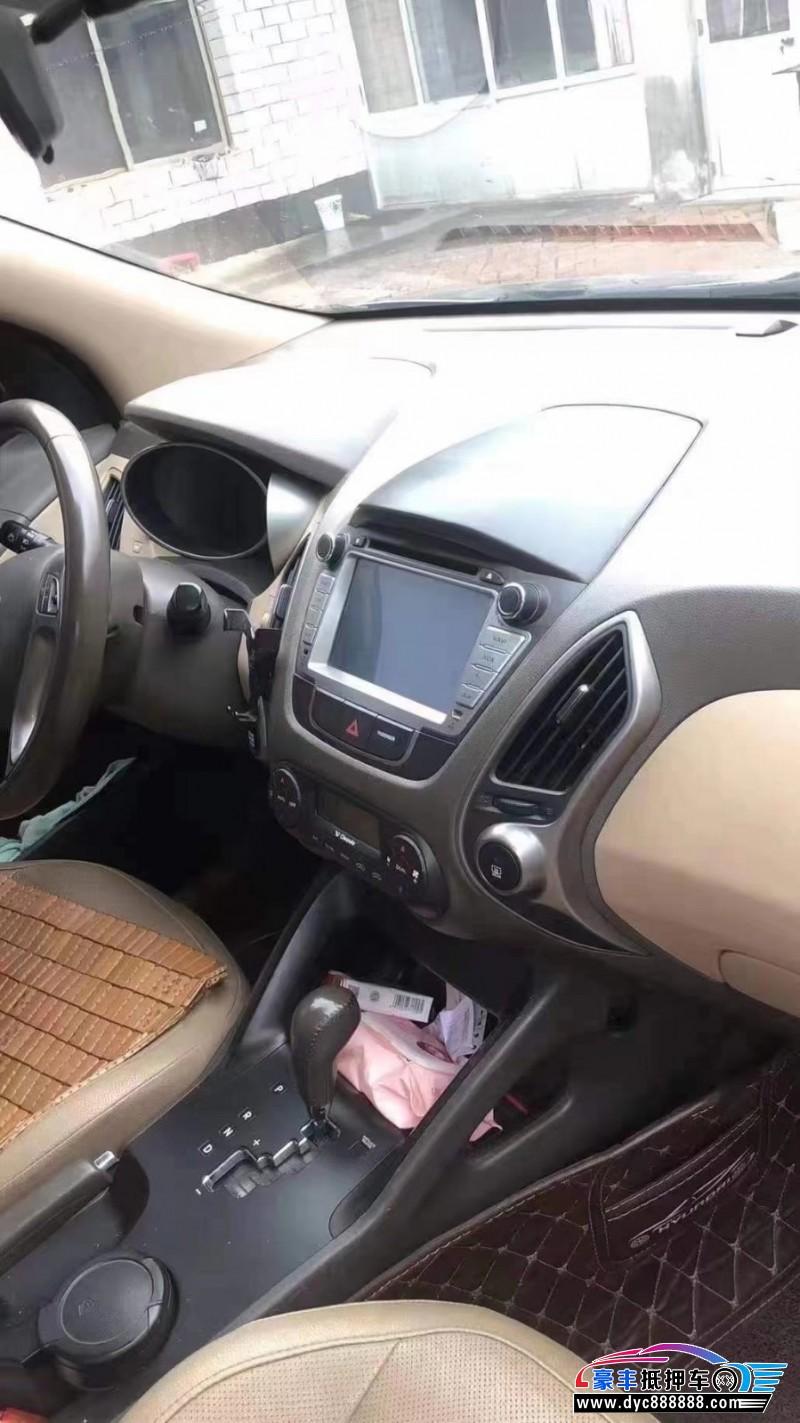 抵押车出售14年现代ix35SUV