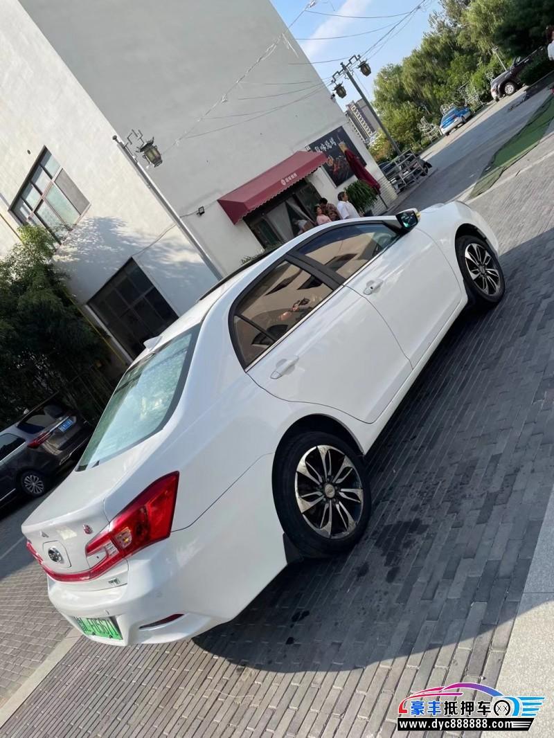 抵押车出售15年比亚迪秦轿车