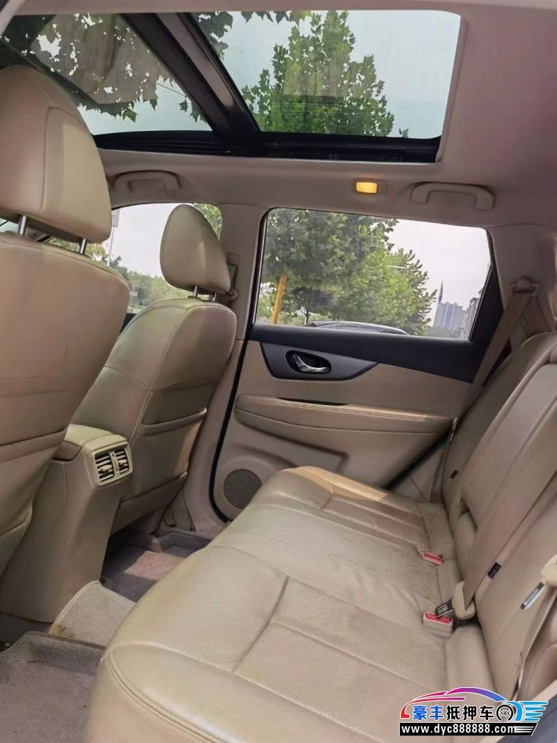 16年日产奇骏SUV抵押车出售
