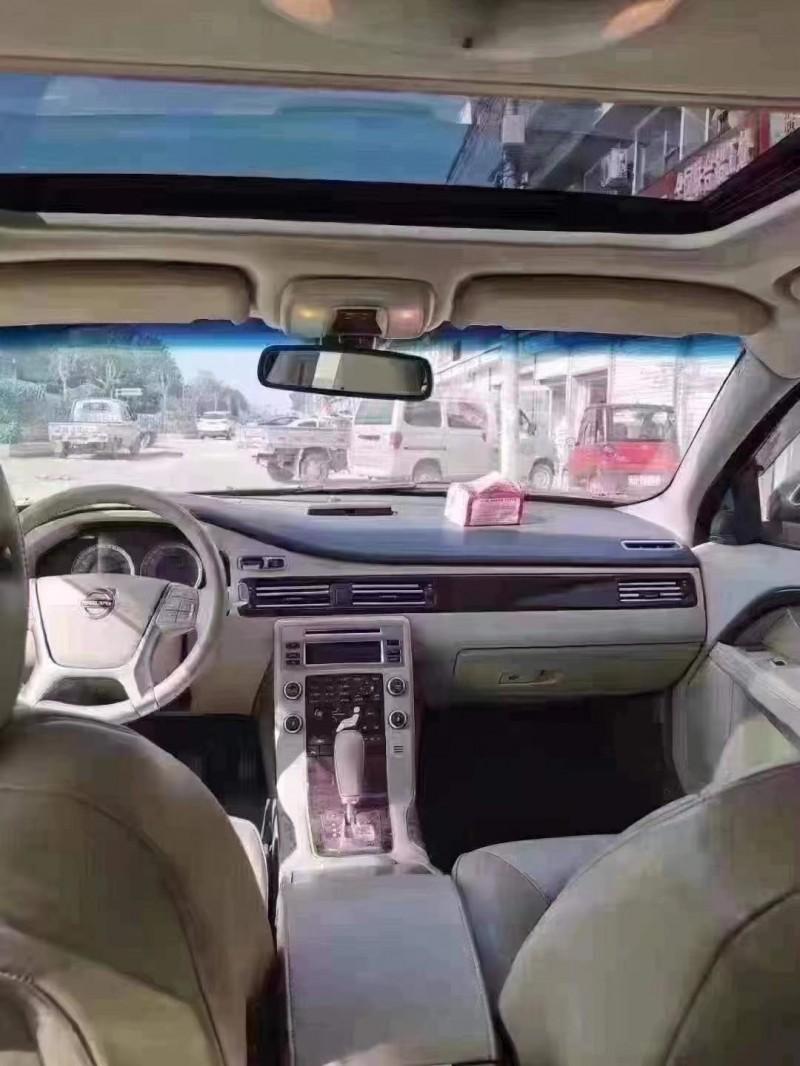 抵押车出售10年沃尔沃S80轿车