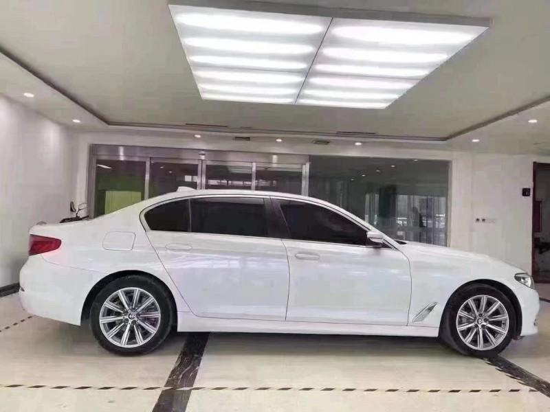抵押车出售18年宝马5系轿车