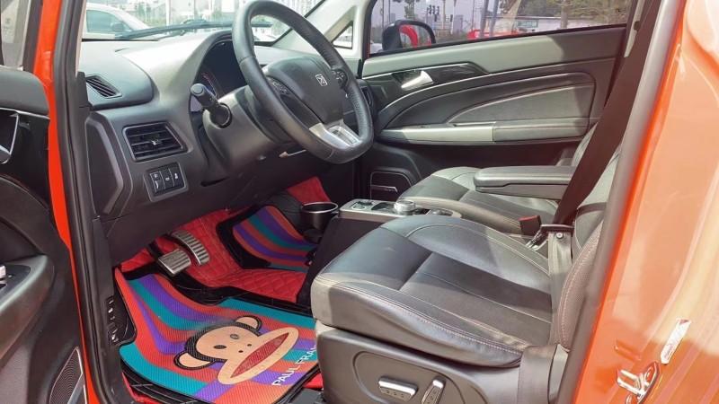 18年众泰E200轿车抵押车出售