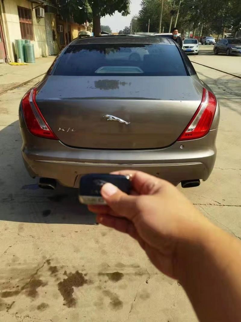 12年捷豹XJ轿车抵押车出售
