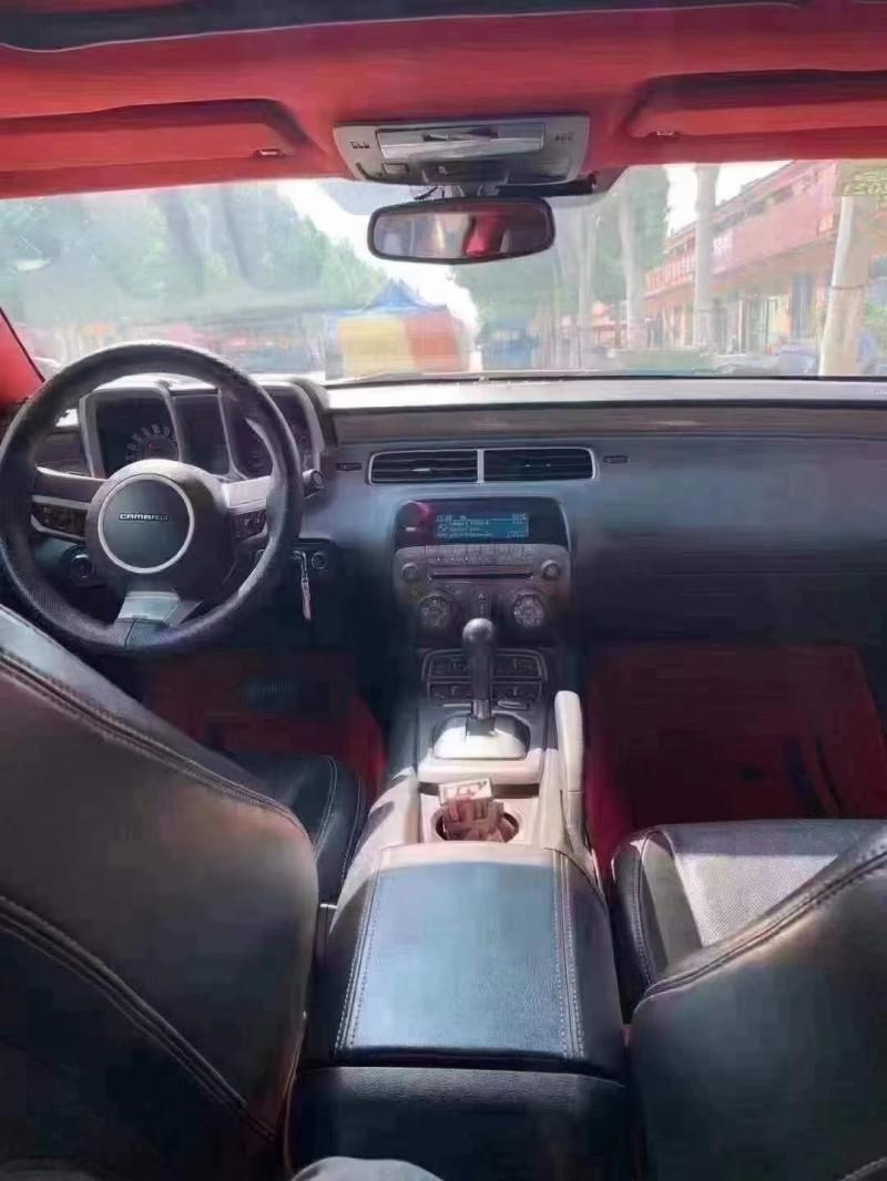 12年雪佛兰科迈罗轿车抵押车出售