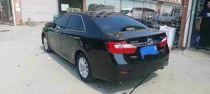 抵押车出售14年丰田凯美瑞轿车