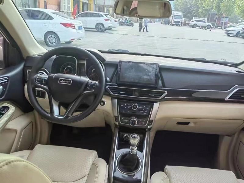 抵押车出售17年众泰大迈X5SUV