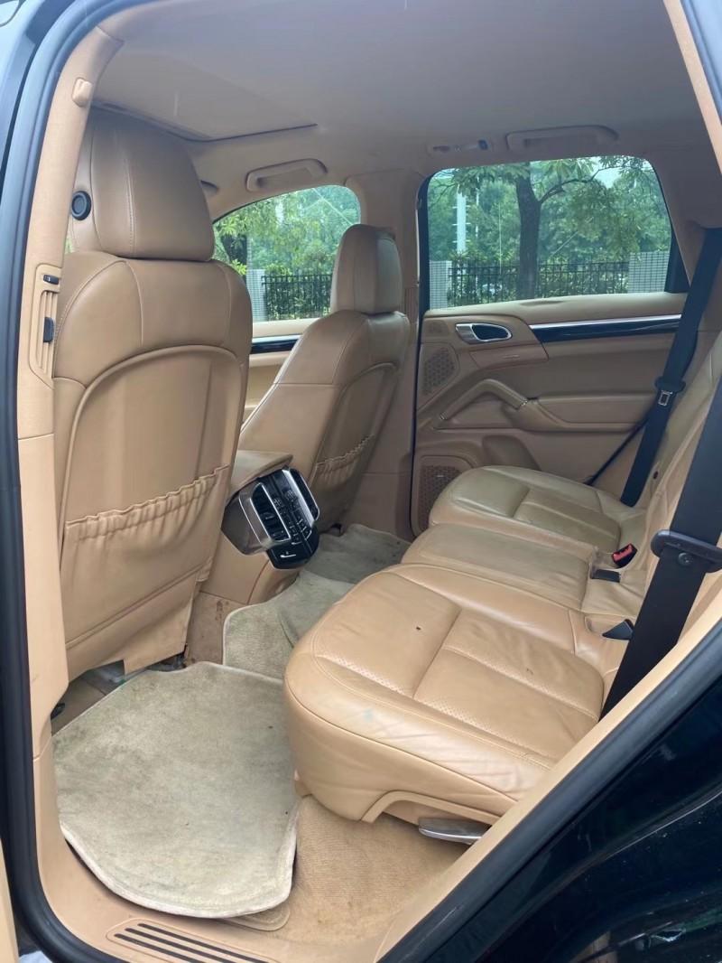 抵押车出售14年保时捷卡宴SUV