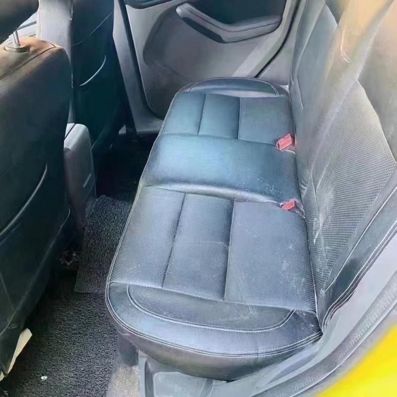 抵押车出售13年福特福克斯轿车