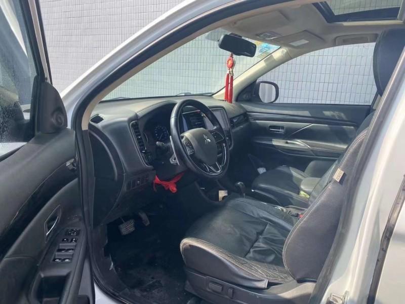 17年三菱欧蓝德SUV抵押车出售