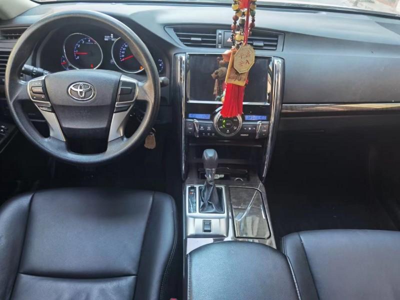 15年丰田锐志轿车抵押车出售