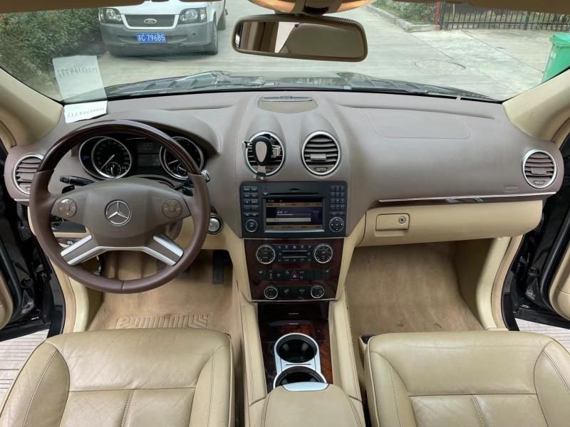 抵押车出售10年奔驰GLSUV