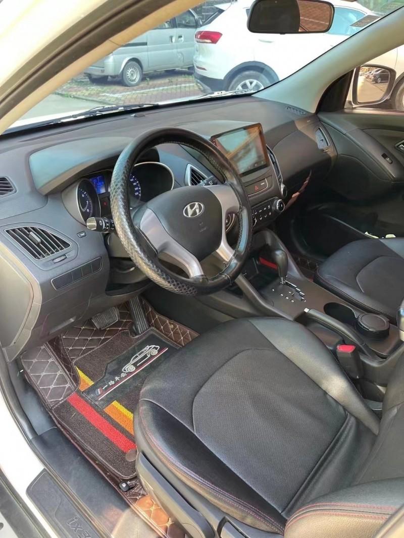 抵押车出售16年现代ix35SUV