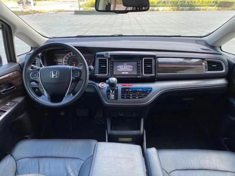 17年本田艾力绅MPV抵押车出售